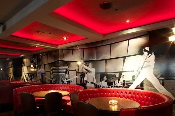 Rolling Stone Restaurant